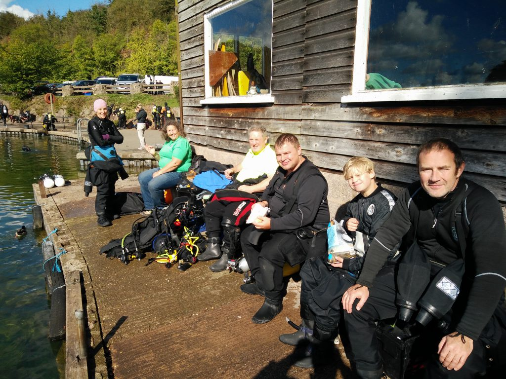 LSAC divers enjoying a bit of sunshine in between dives
